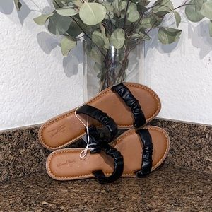 Universal Thread band scrunched women's Sandals